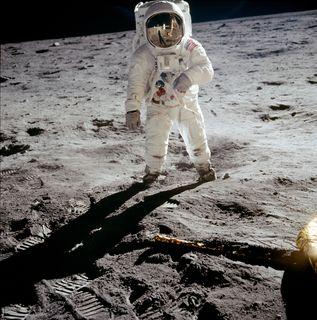 20 juillet 1969, pour la première fois des hommes marchent sur la Lune